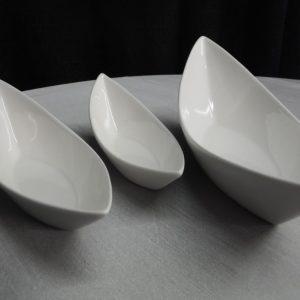 three white gondola bowls